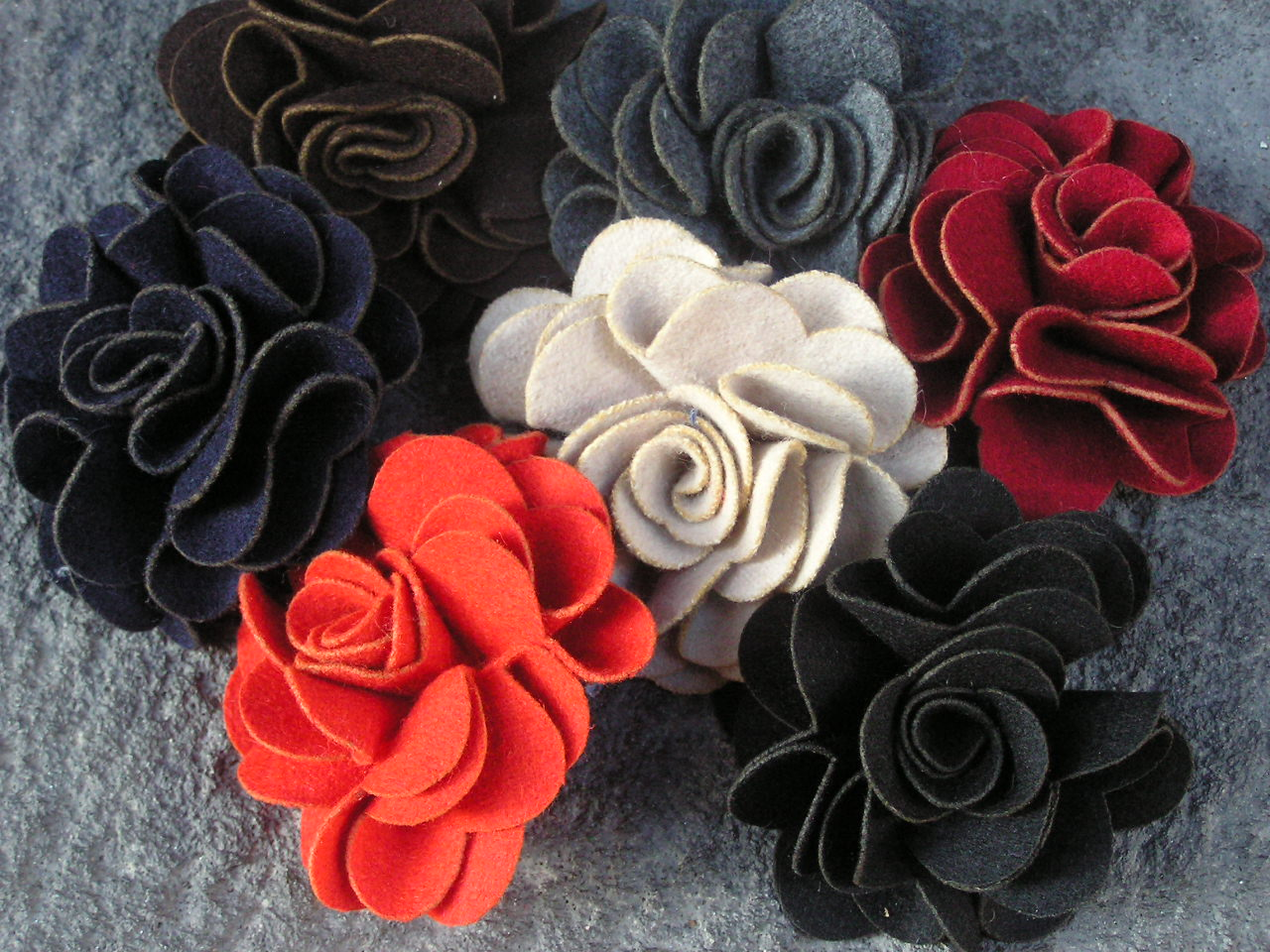 fleurs feutrine. Black Bedroom Furniture Sets. Home Design Ideas